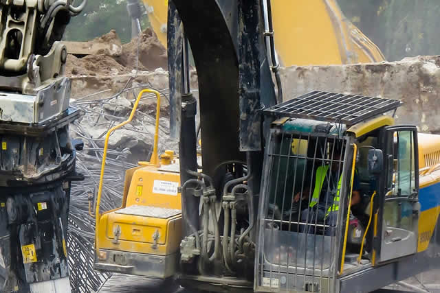 Offering affordable demolition contractor services for the Bay Area  and Peninsula, Alliance Hauling Demolition Contractor is a local company, licensed, insure and bonded, our demolition services include excavation, foundation and skid steer bobcat services.